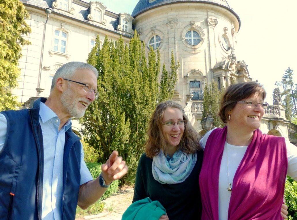 Tagungsteam der Begegnungsstätte Schloss Craheim hat Spaß