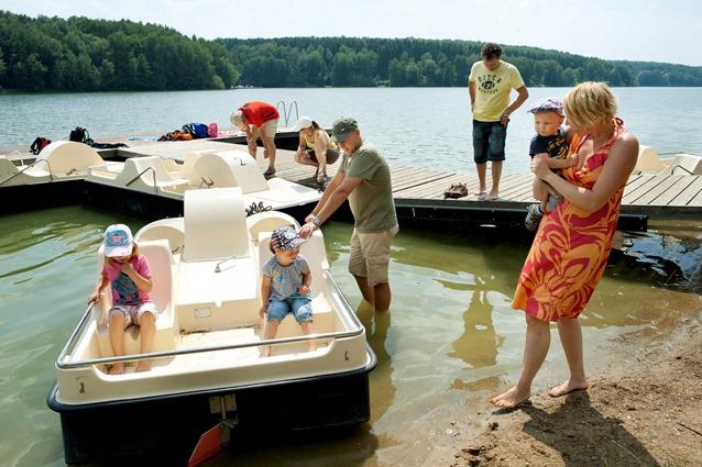 Der Ellertshäuser See zum Baden und Planschen für jung und alt mit Caféteria und Eis