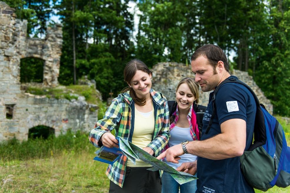 Wandern durch die Hassberge in unberühreter Natur im Landschaftsschutzgebiet