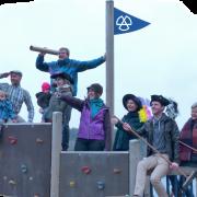 Die junge und mittlere Generation auf Schloss Craheim Spendenaufruf