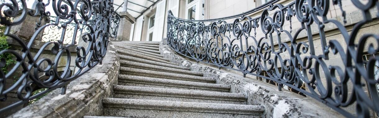 Treppe zum Vortragssaal