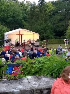 Konzert mit Clemens Bittlinger im Freien